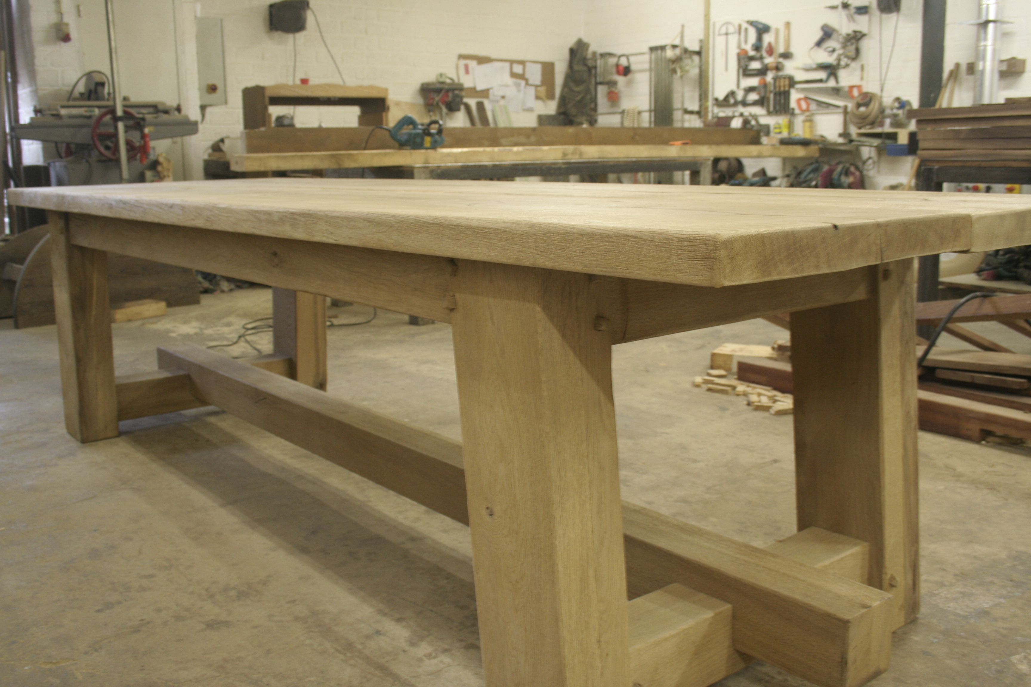 Robuuste Eiken Tafel : Eiken tafels op maat van meubelmakerij geeraths