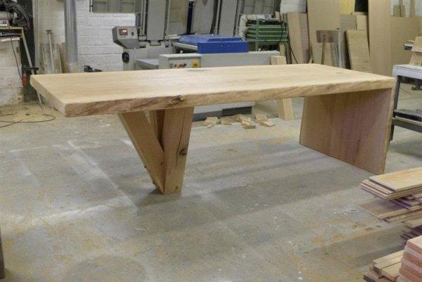 Unieke eiken tafel eiken meubelmakerij for Eiken design tafel